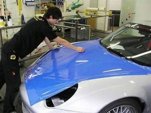 """Tips para elegir la pintura ideal para tu coche"""